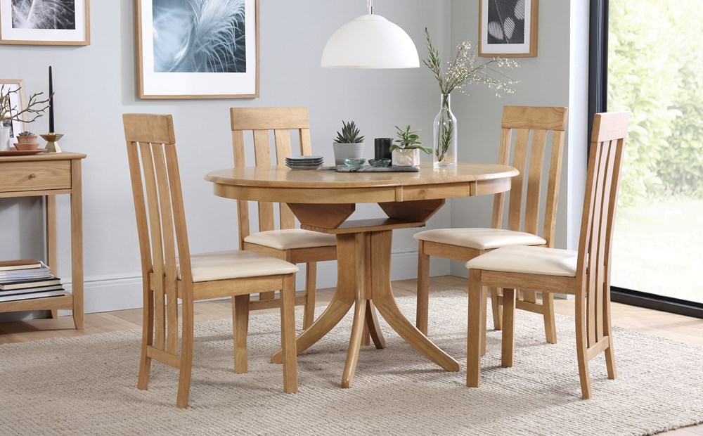 Well Known Hudson Round Oak Extending Dining Table With 4 Chester Chairs (ivory Throughout Oak Extending Dining Tables And 4 Chairs (View 18 of 20)