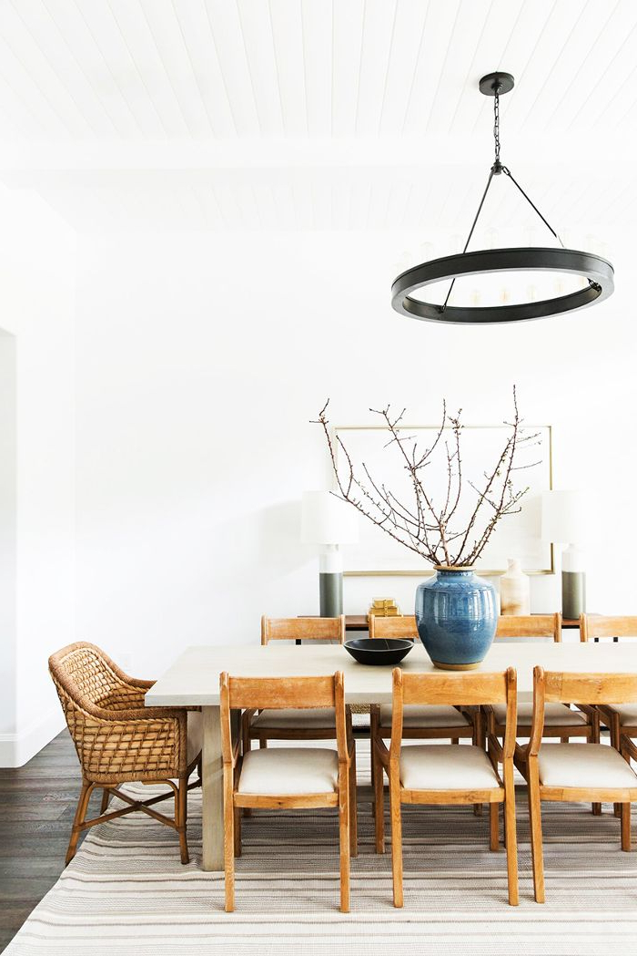 Well Liked Market 6 Piece Dining Sets With Host And Side Chairs Throughout How To Incorporate Mismatched Dining Chairs In Your Home (View 6 of 20)