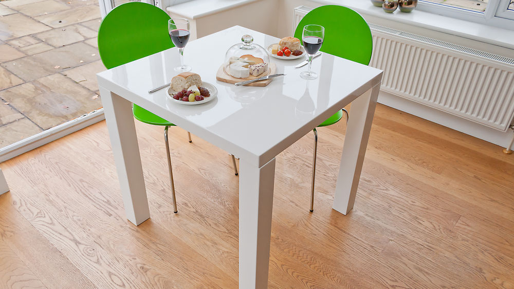 Well Liked Small White Dining Tables In Small White Dining Table Set – Castrophotos (View 8 of 20)