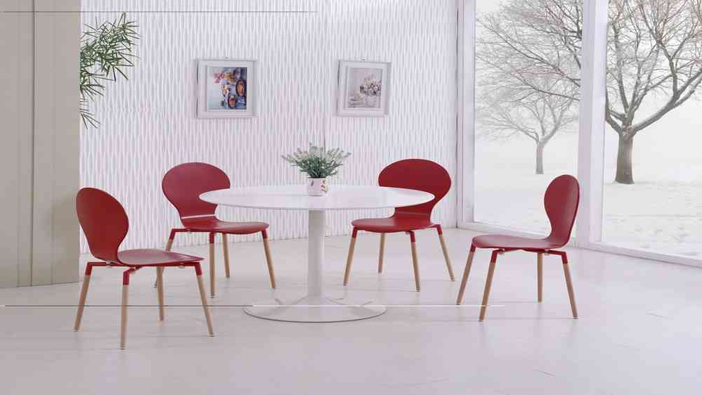 White Gloss Dining Table And 4 Red Pu Chairs – Homegenies Regarding Most Recently Released Red Gloss Dining Tables (View 20 of 20)