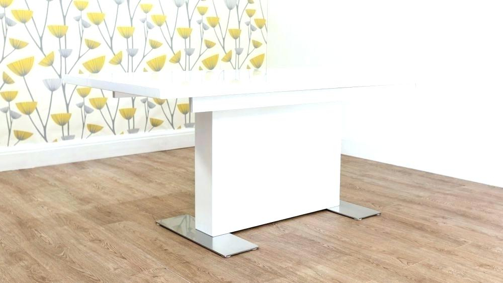 White Gloss Round Extending Dining Tables Within 2017 Round Pedestal Extending Dining Table Extending Pedestal Dining (View 17 of 20)