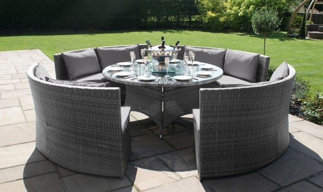 Why Implement Round Rattan Garden Furniture – Blogbeen With Most Current Garden Dining Tables And Chairs (View 20 of 20)