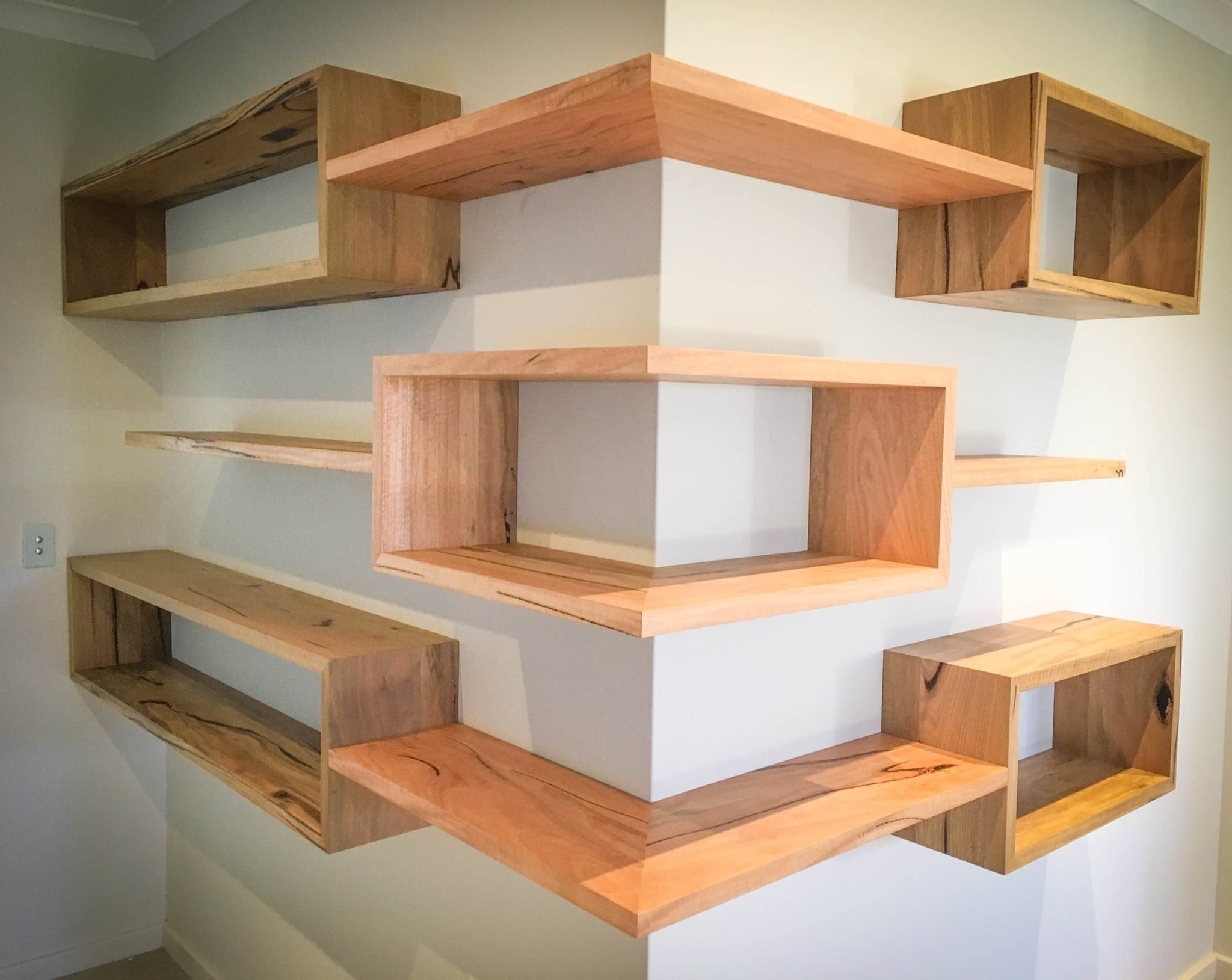 Estantes De Quina | Wood Projects | Pinterest | Shelves, Corner In Moraga Live Edge Plasma Console Tables (View 7 of 20)