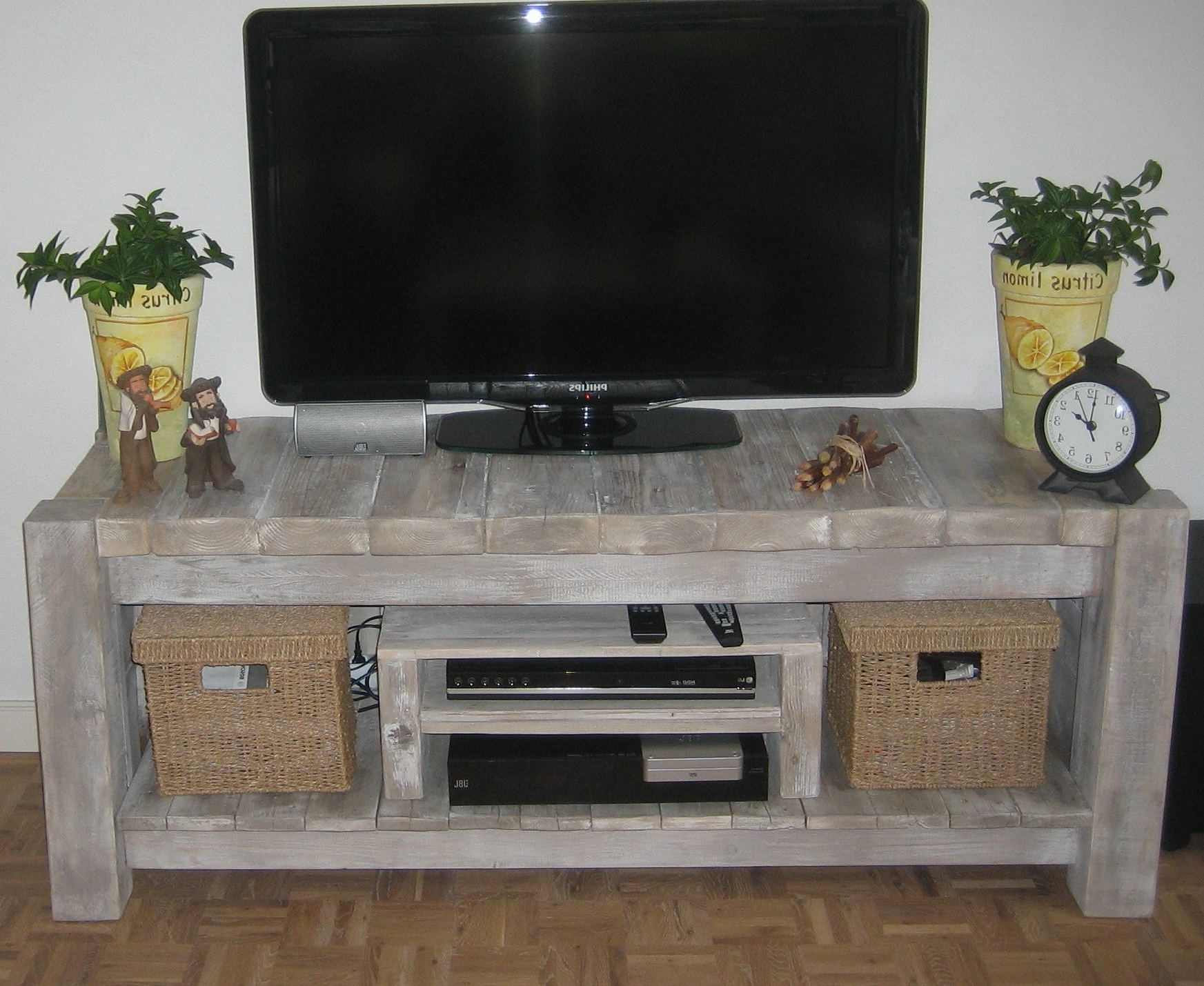 Wood / Pallet Tv Desk / Table / Dresser (View 19 of 20)