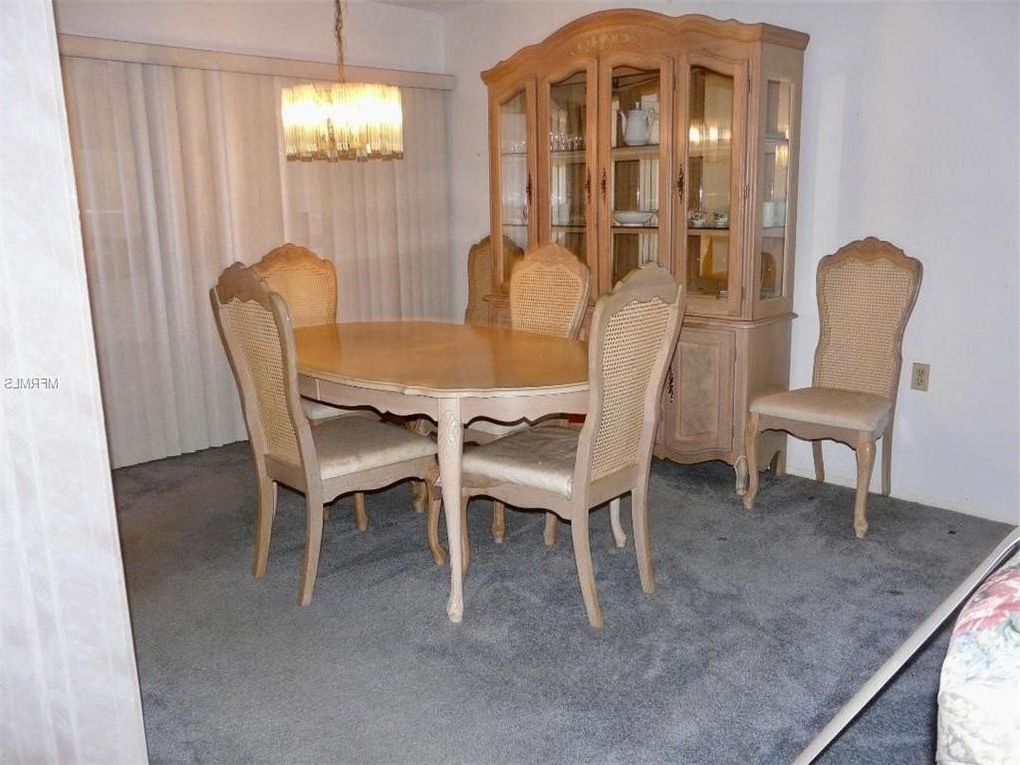 10624 Encino Ct, Port Richey, Fl 34668 – Realtor® With Regard To Current Queener 5 Piece Dining Sets (View 1 of 20)