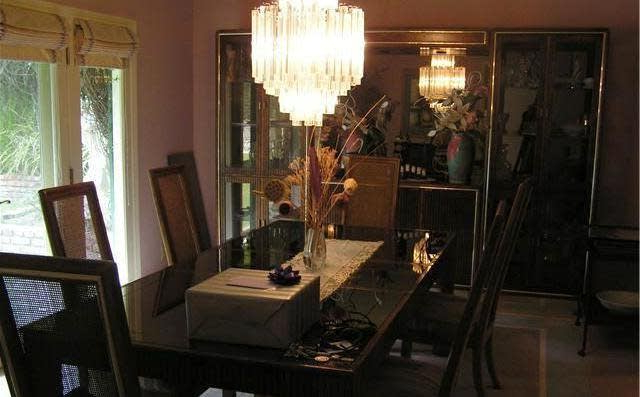 2768 Casiano Rd, Los Angeles, Ca 90077 ~ Open Listings Pertaining To Fashionable Casiano 5 Piece Dining Sets (View 15 of 20)