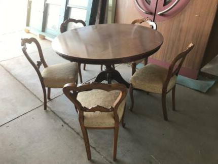 Current Antique Round Table (View 3 of 20)