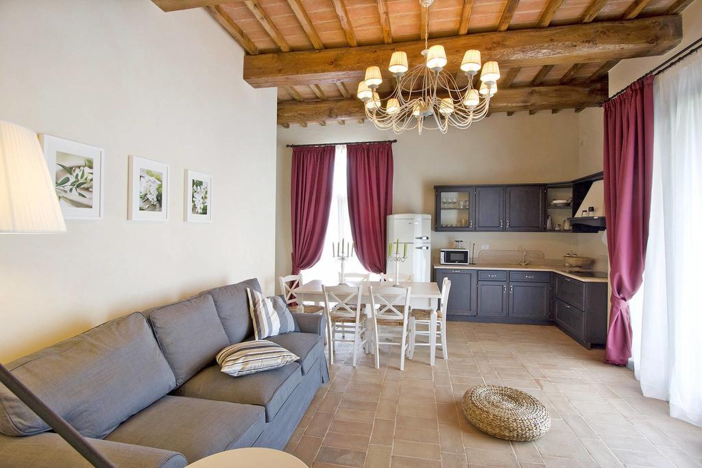 Famous Partin 3 Piece Dining Sets For Atostogų Namelis Poggio Partino 191s (italija Sughera) – Booking (View 16 of 19)