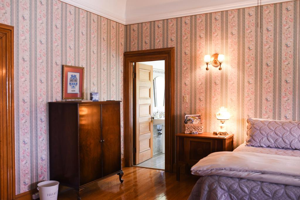 Favorite Bed And Breakfast Château La Motte, Woodstock, Canada – Booking Inside Lamotte 5 Piece Dining Sets (Gallery 18 of 20)