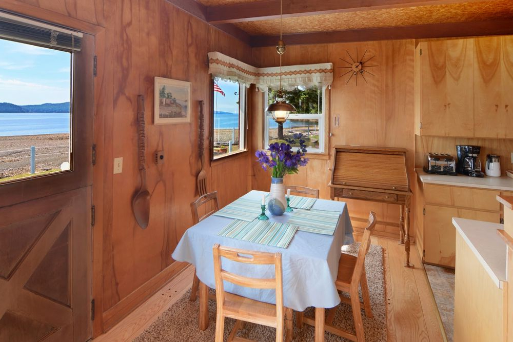 Hood Canal 3 Piece Dining Sets Pertaining To Most Recently Released Little Red Beach House – Hood Canal, Wa – Beachcombers Nw (Gallery 16 of 20)