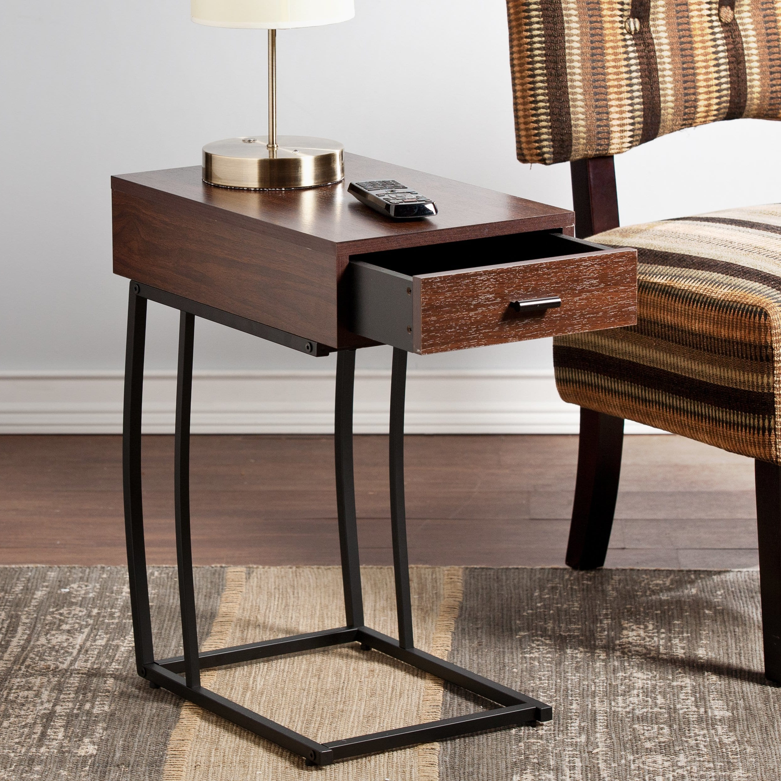 Accent Table With Usb – Grottepastenaecollepardo With Regard To Most Up To Date Copper Grove Liatris Black And Satin Silver Coffee Tables (View 1 of 20)