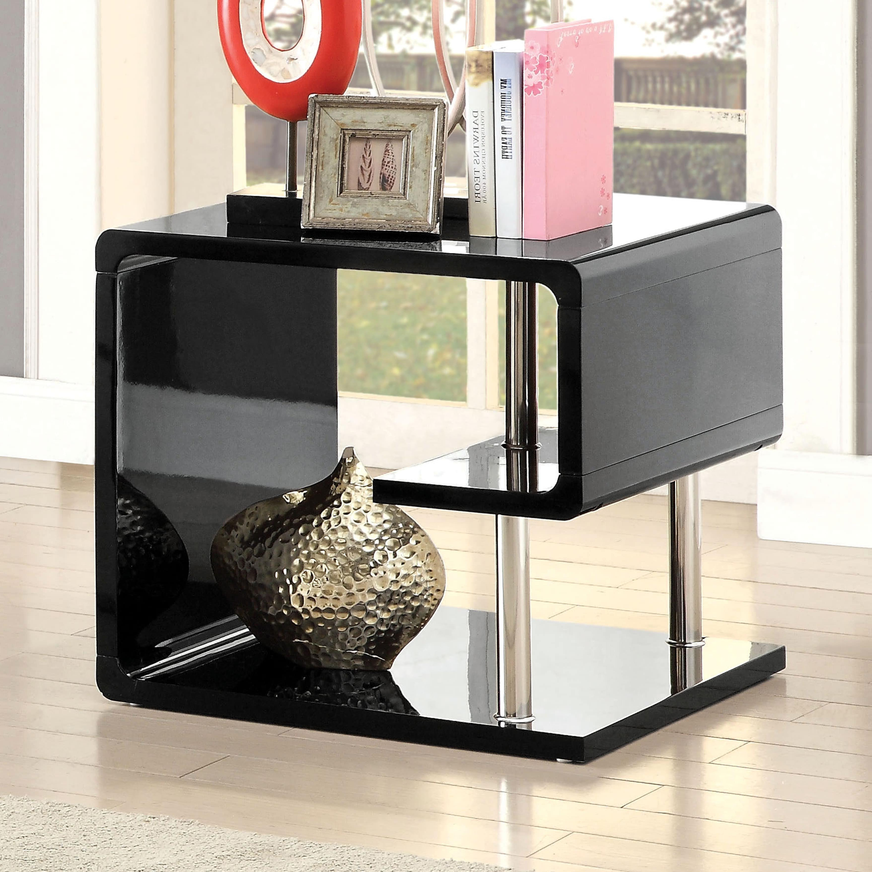Best And Newest Strick & Bolton Sylvia Geometric High Gloss Coffee Tables Inside Strick & Bolton Sylvia Geometric High Gloss End Table (View 6 of 20)