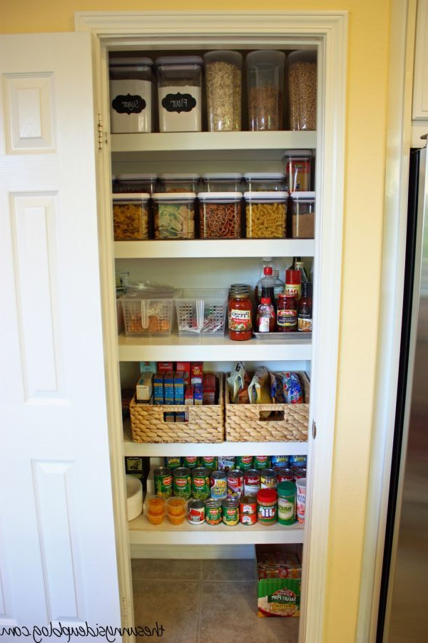 Favorite 15 Organization Ideas For Small Pantries (View 13 of 20)