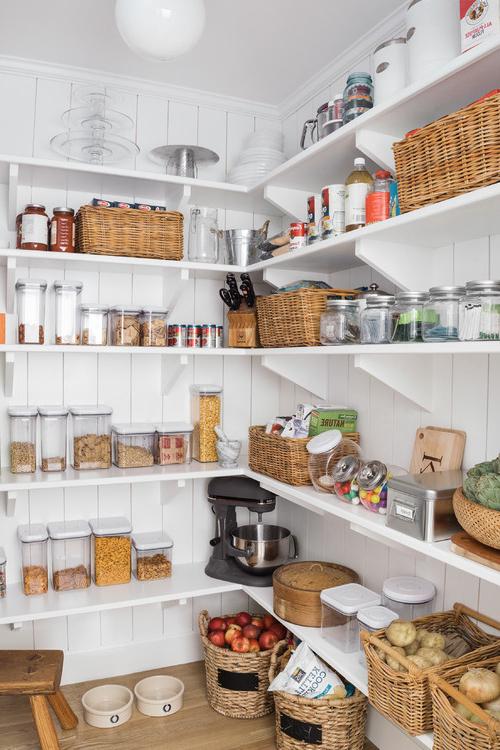 Kitchen Pantry Ideas For Famous Farmhouse Kitchen Pantry (View 4 of 20)