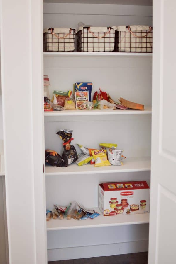 Lotus Kitchen Pantry For Trendy Insanely Easy Pantry Organization Ideas Using Rubbermaid (View 6 of 20)