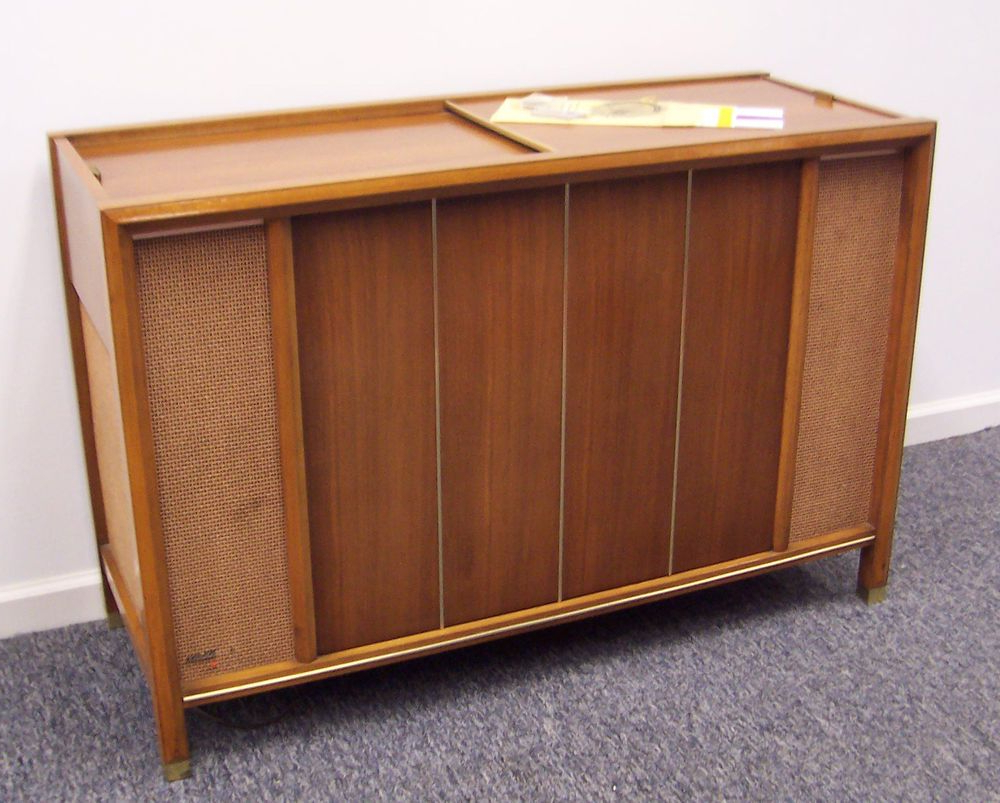 Mid Century Modern Magnavox Console Stereo Am Fm Imperial Throughout Barr Credenzas (View 11 of 20)