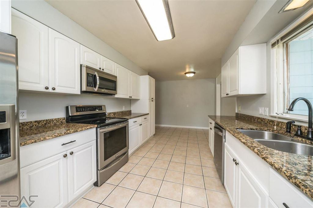 Most Recent Garretson Kitchen Pantry With 1017 4th St, Garretson, Sd Single Family Home Property (View 16 of 20)