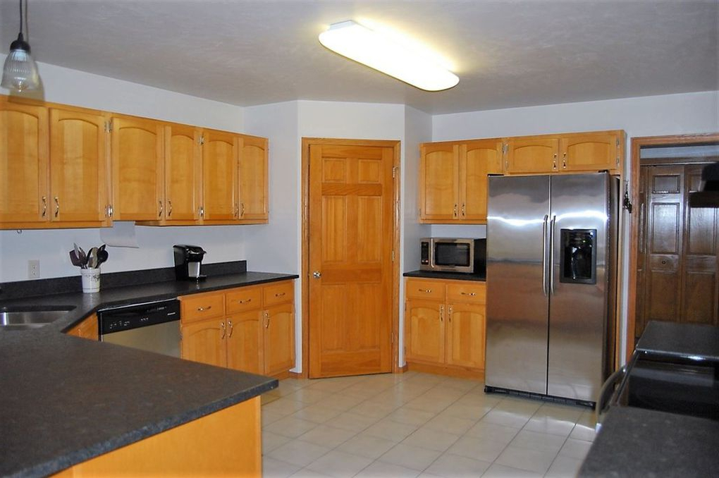 Most Up To Date Oconto Kitchen Pantry For 3095 Nuthatch Ln, Oconto, Wi  (View 9 of 20)