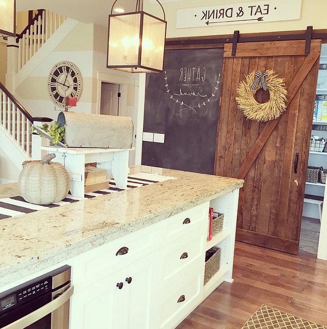Popular 2016 Farmhouse Fall Decorating Ideas – Home Bunch Interior For Farmhouse Kitchen Pantry (View 17 of 20)