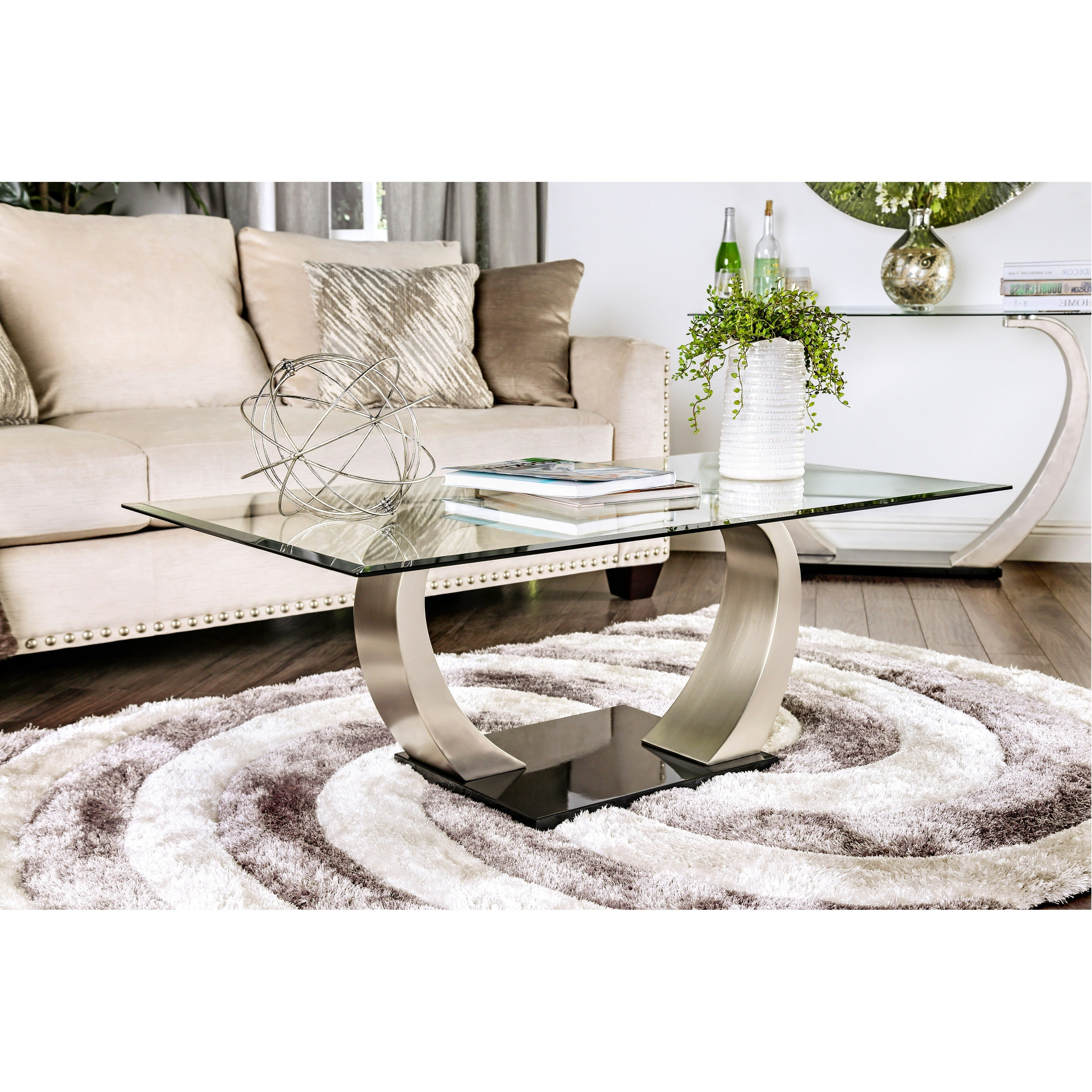 Popular Carmella Satin Plated Coffee Tables With Regard To Carmella Satin Plated Coffee Tablefoa (View 3 of 20)