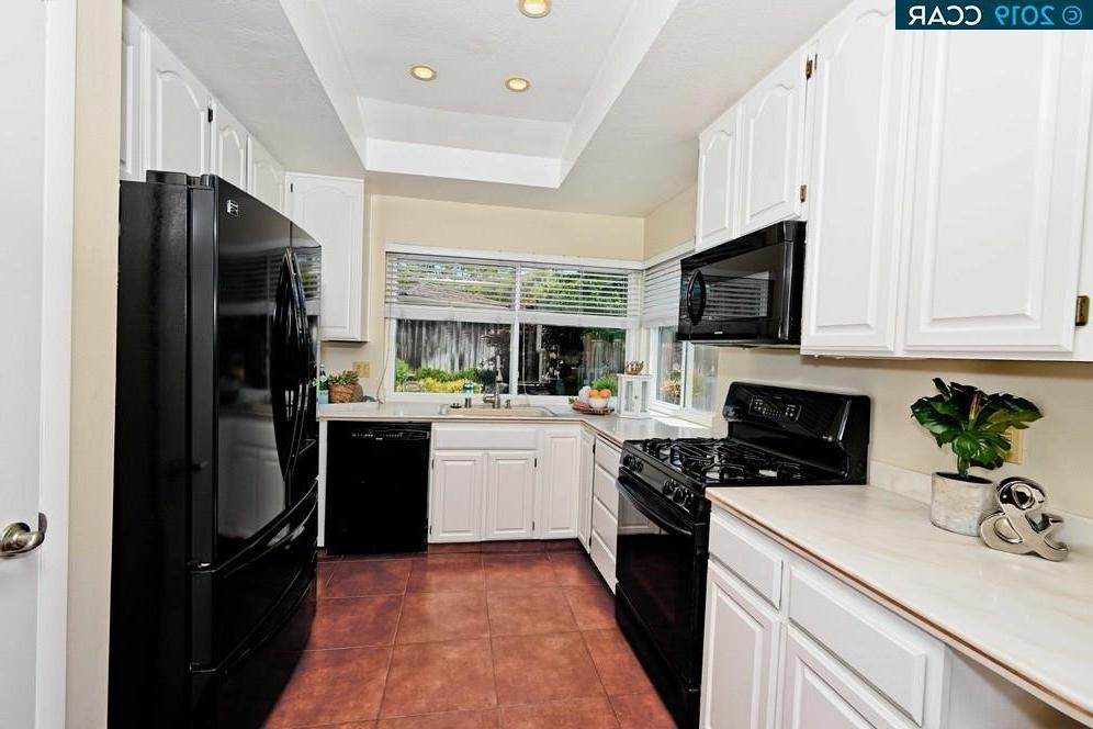 Ramon Kitchen Pantry Throughout Recent 9817 Davona Dr, San Ramon, Ca 94583 $949,000 Www (View 15 of 20)