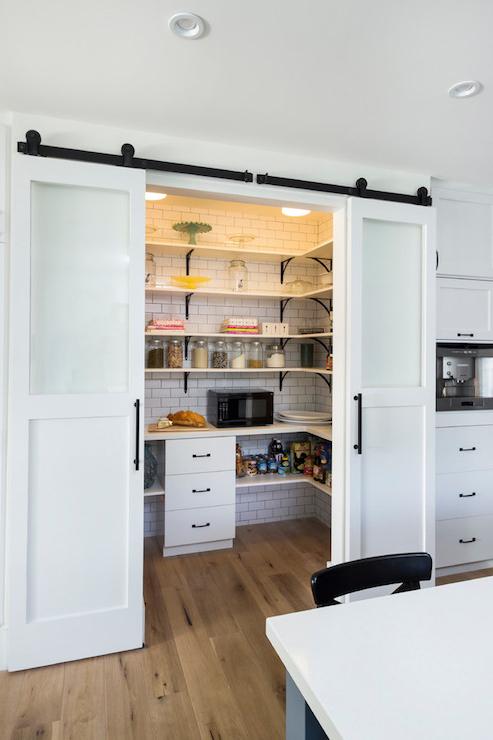 Recent Farmhouse Kitchen Pantry Regarding Kitchen Pantry Inspiration (View 2 of 20)