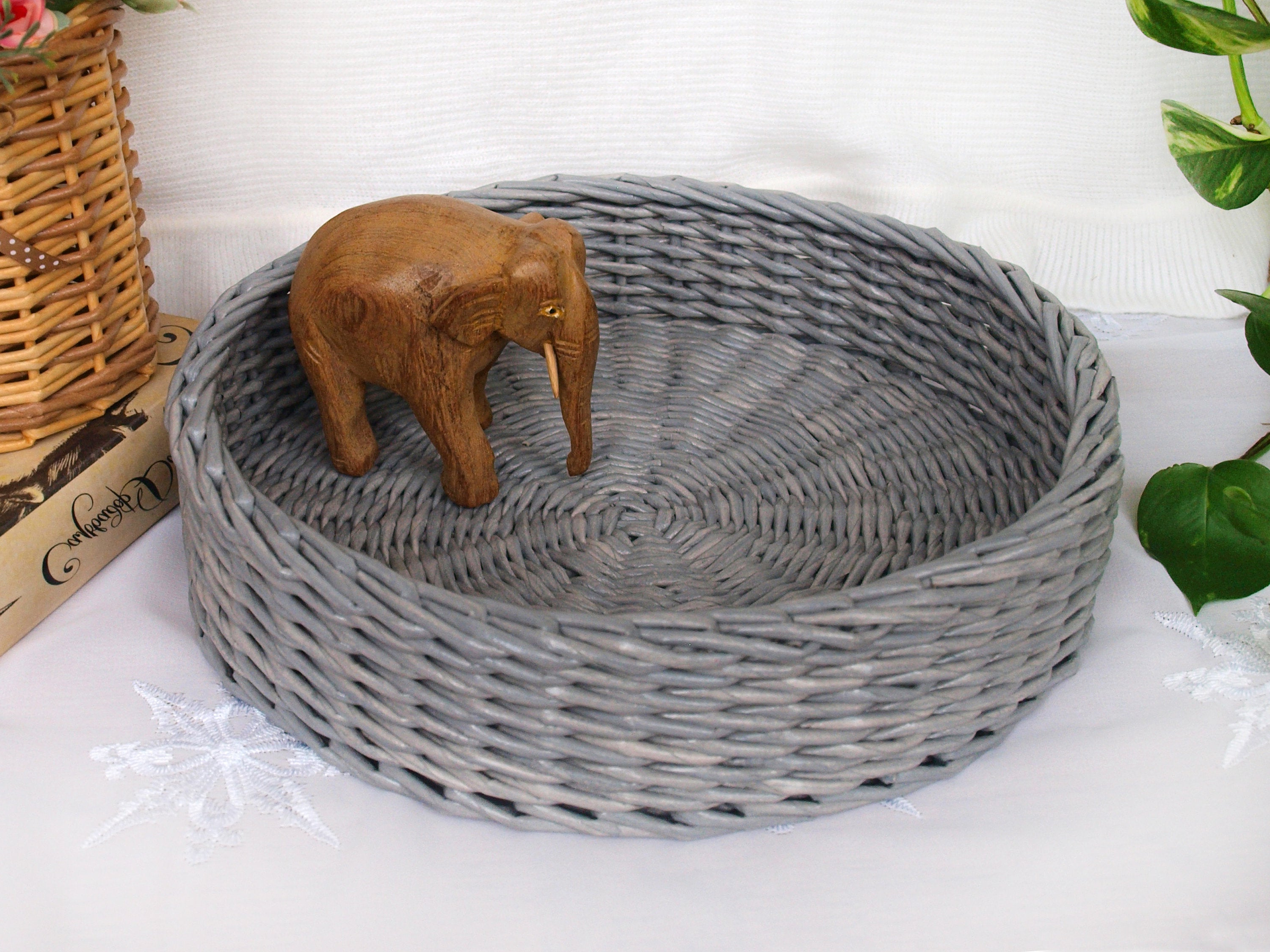 Recent Rustic Coffee Tables With Wicker Storage Baskets Within Gray Round Wicker Basket Tray Serving Tray Coffee Table Decorative Tray Rustic Ottoman Tray Farmhouse Decor Centerpiece Easter Tray Decor (View 16 of 20)