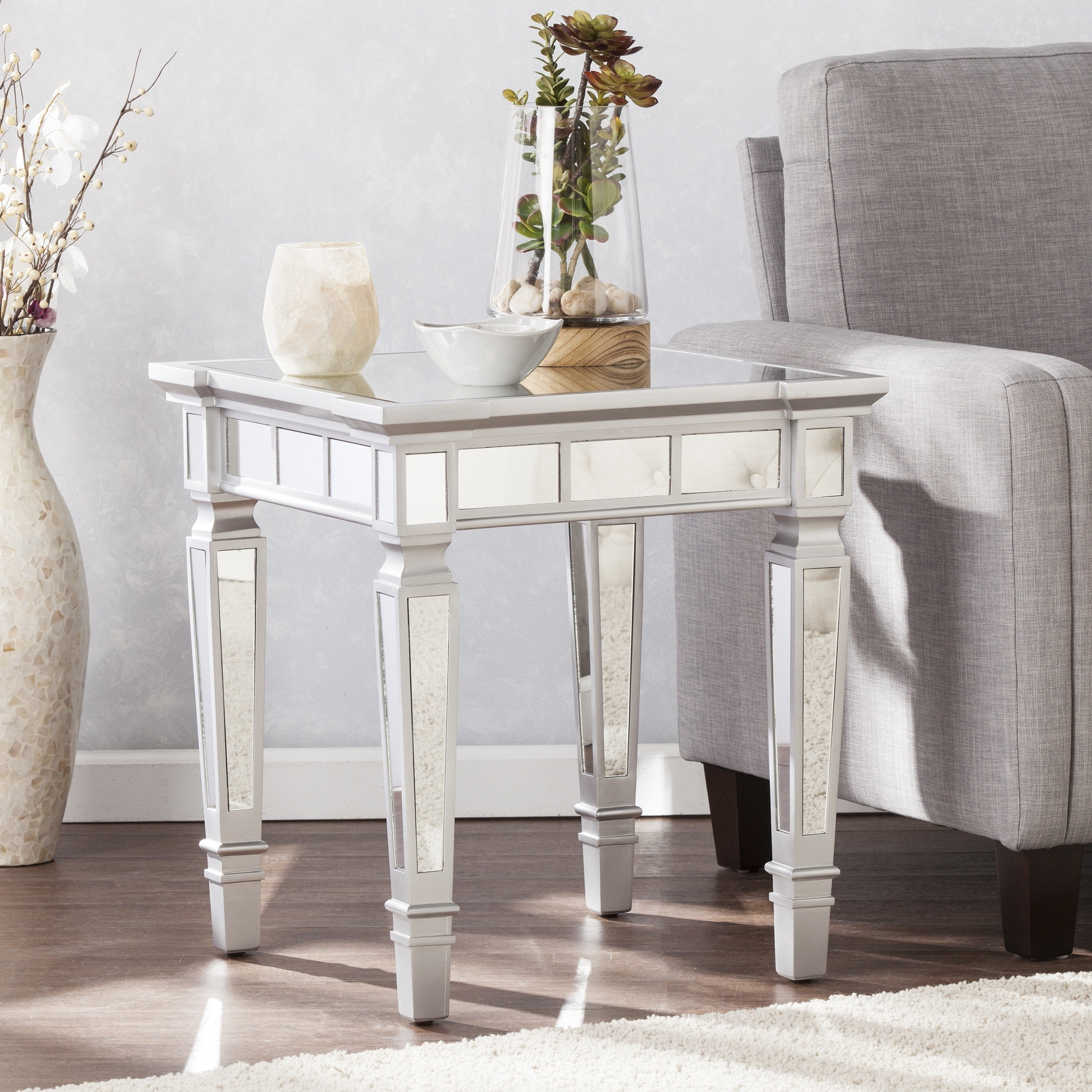 Silver Orchid Olivia Glam Mirrored Square End Table – Matte Silver In Well Liked Silver Orchid Olivia Mirrored Coffee Cocktail Tables (View 18 of 20)
