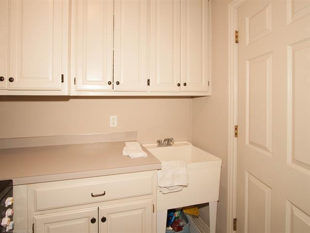 Slemp Kitchen Pantry In Popular 9332 S Urbana Ave, Tulsa, Ok 74137 – 4 Beds/4 Baths (View 17 of 20)
