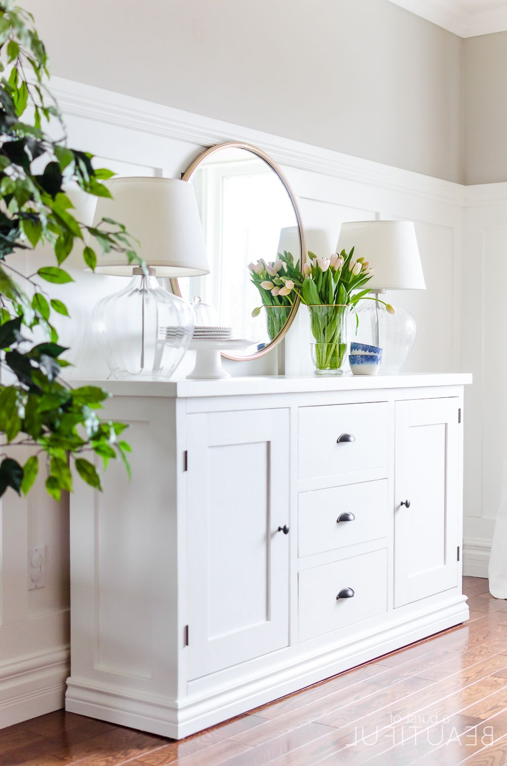 White Dining Sideboard – Summervilleaugusta Within Pineville Dining Sideboards (View 13 of 20)