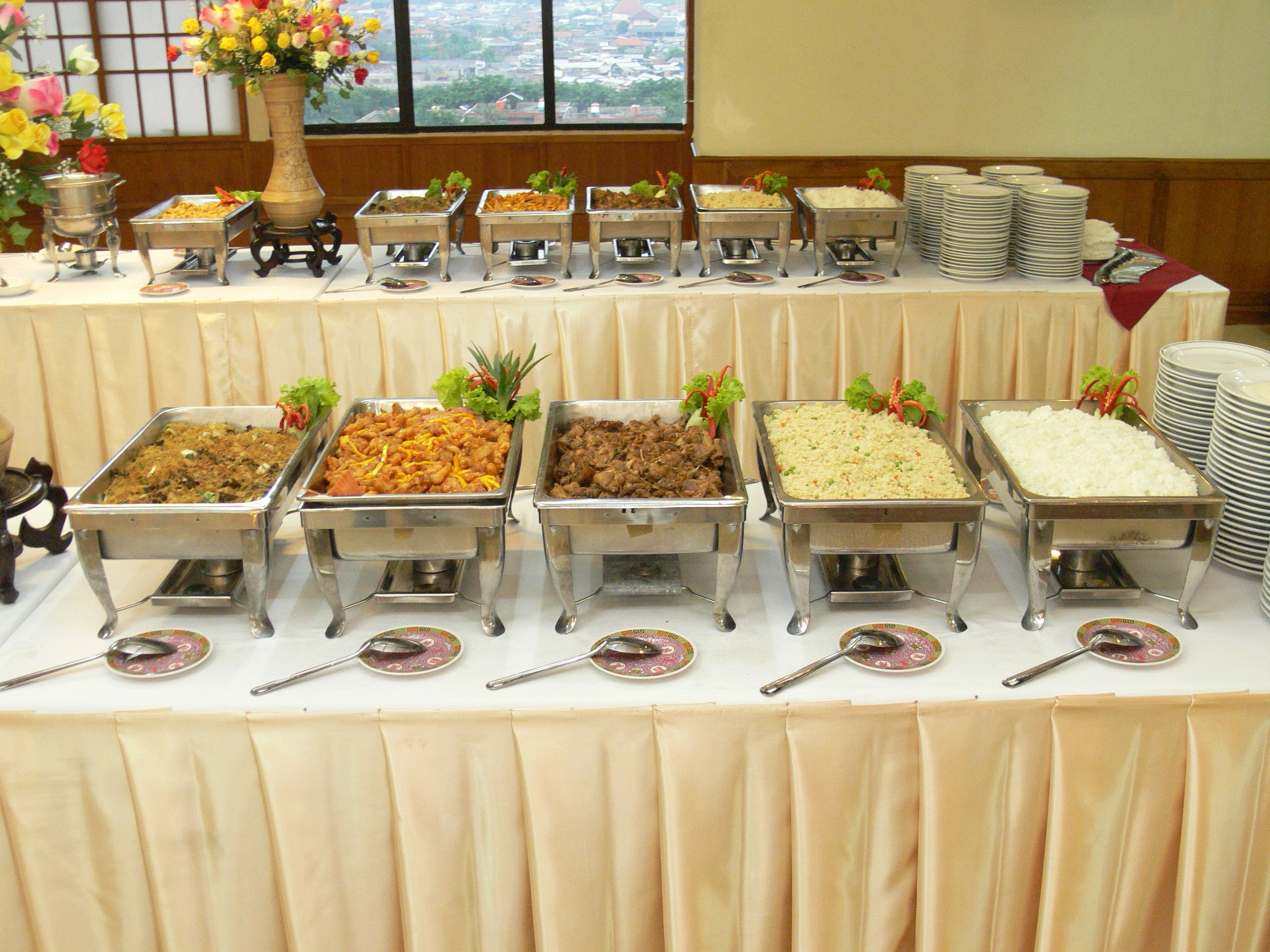 Image Result For How To Set Up Buffet Table | Buffet Table Within Contemporary Rolling Buffets (View 19 of 20)