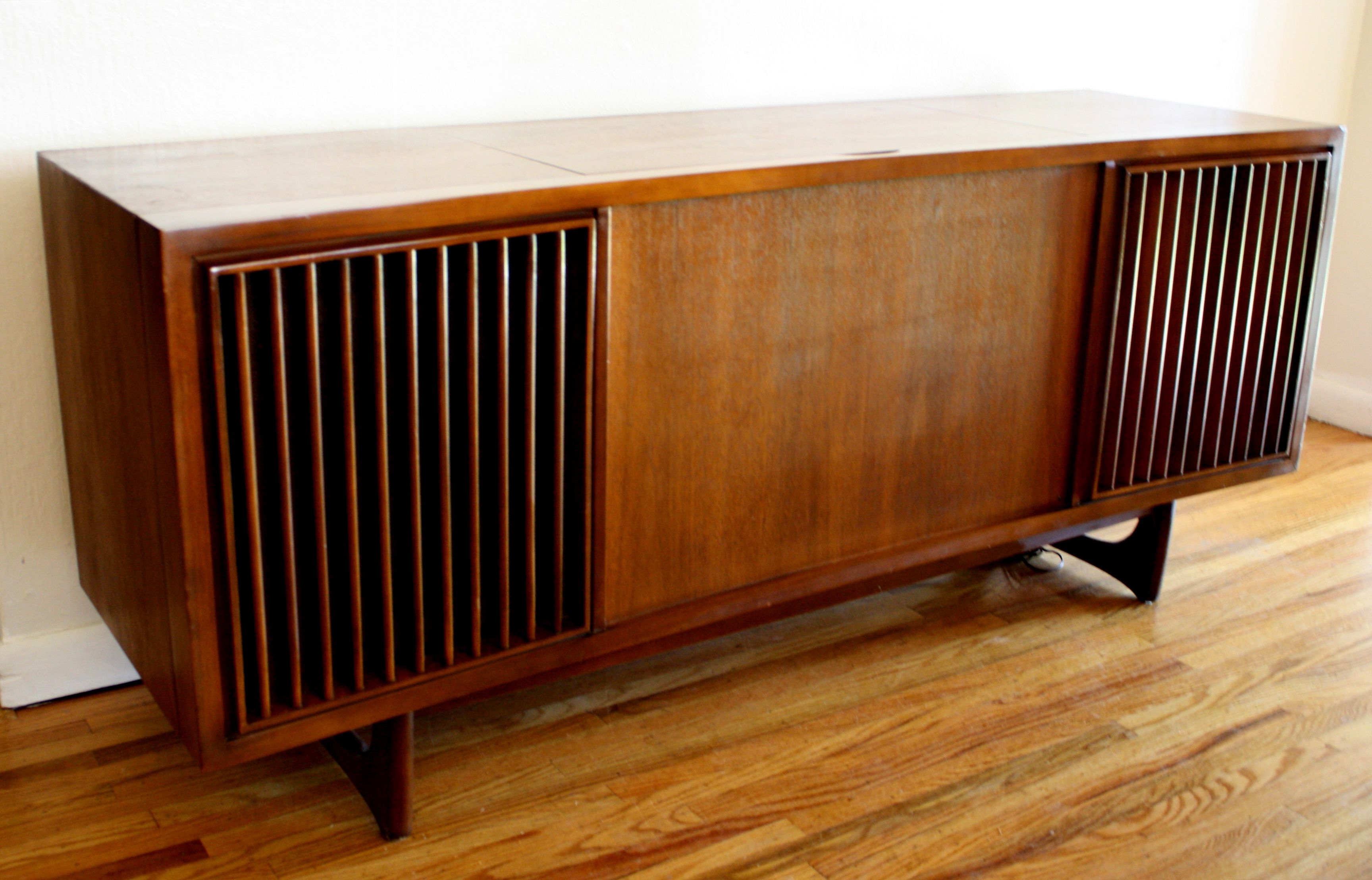 Mid Century Rca Stereo – Google Search | Decorate Me In 2019 Intended For Retro Holistic Credenzas (View 15 of 20)
