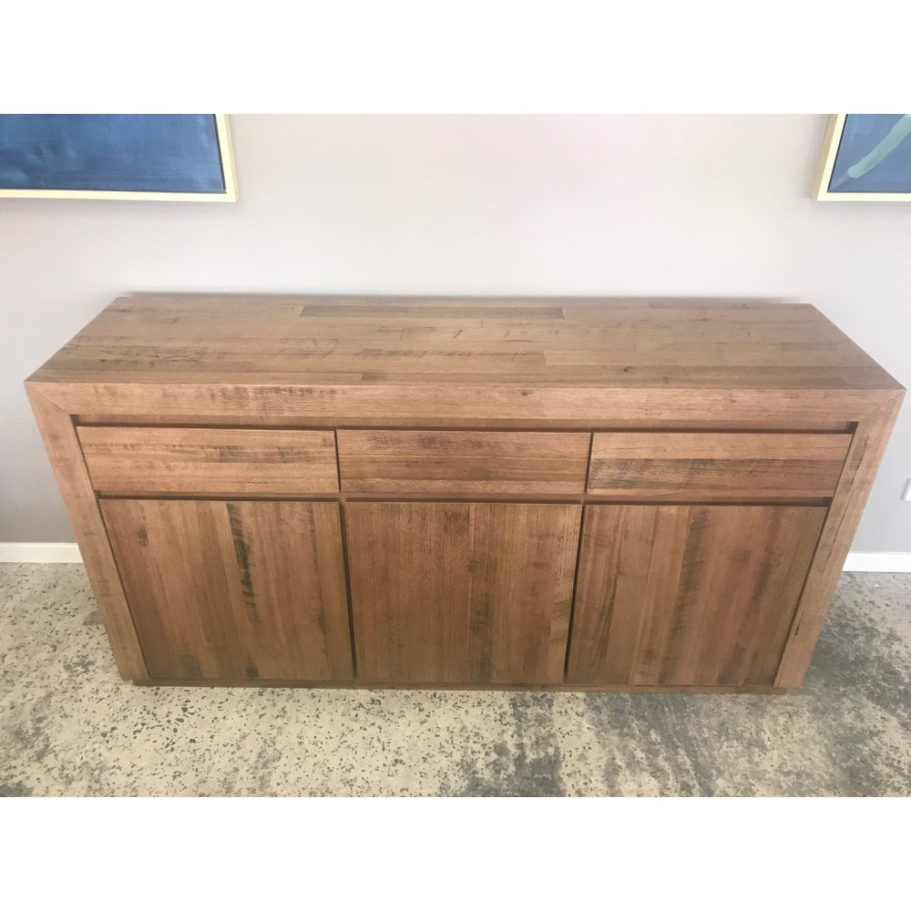 Urban 3 Drawer/ 3 Door Buffet Tasmanian Oak With 3 Drawer Storage Buffets (View 12 of 20)
