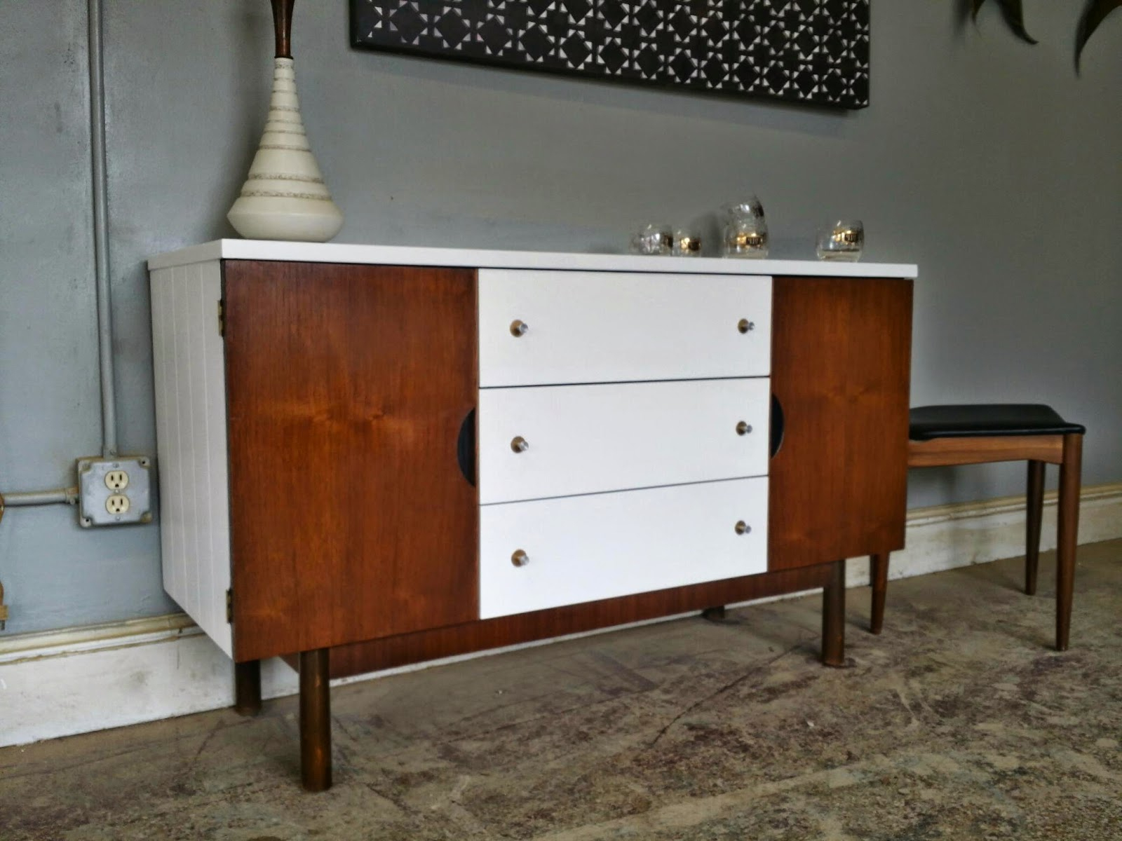 Vintage Ground: Mid Century White Wood Buffet / Media Intended For Mid Century White Buffets (View 17 of 20)
