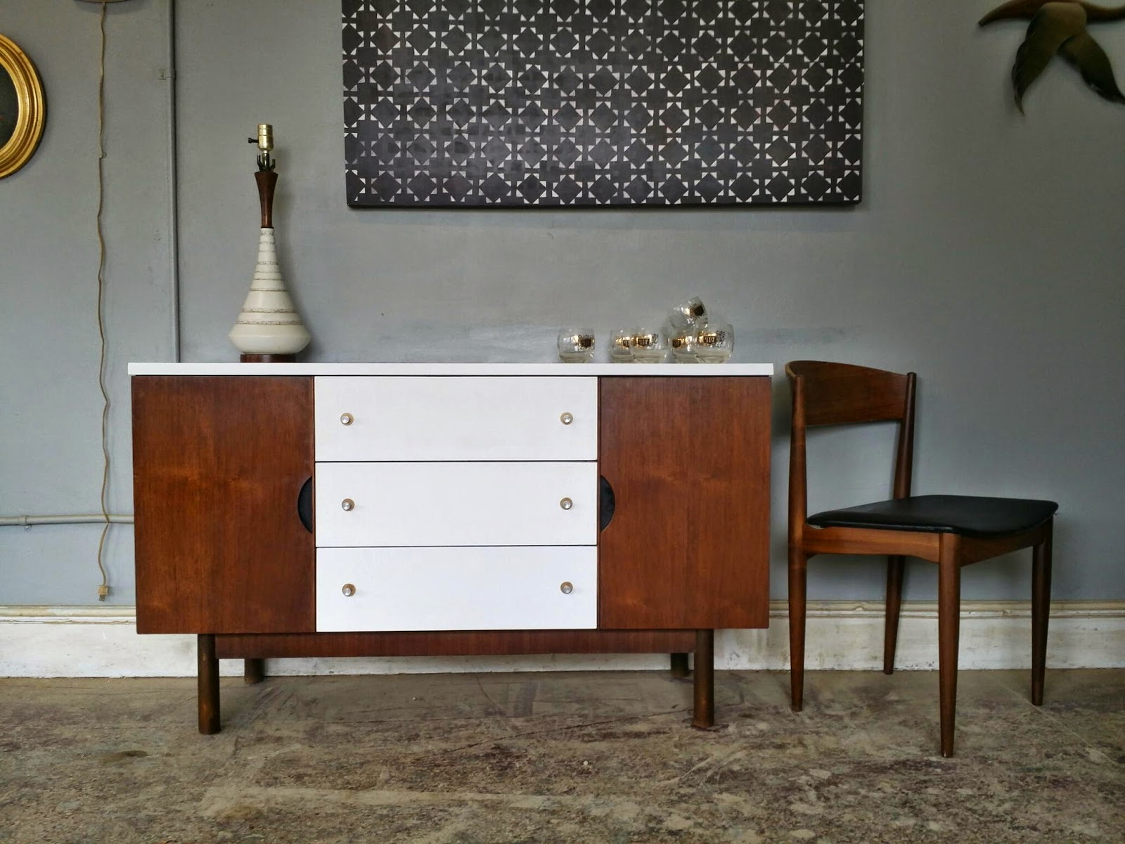 Vintage Ground: Mid Century White Wood Buffet / Media Regarding Mid Century White Buffets (View 18 of 20)