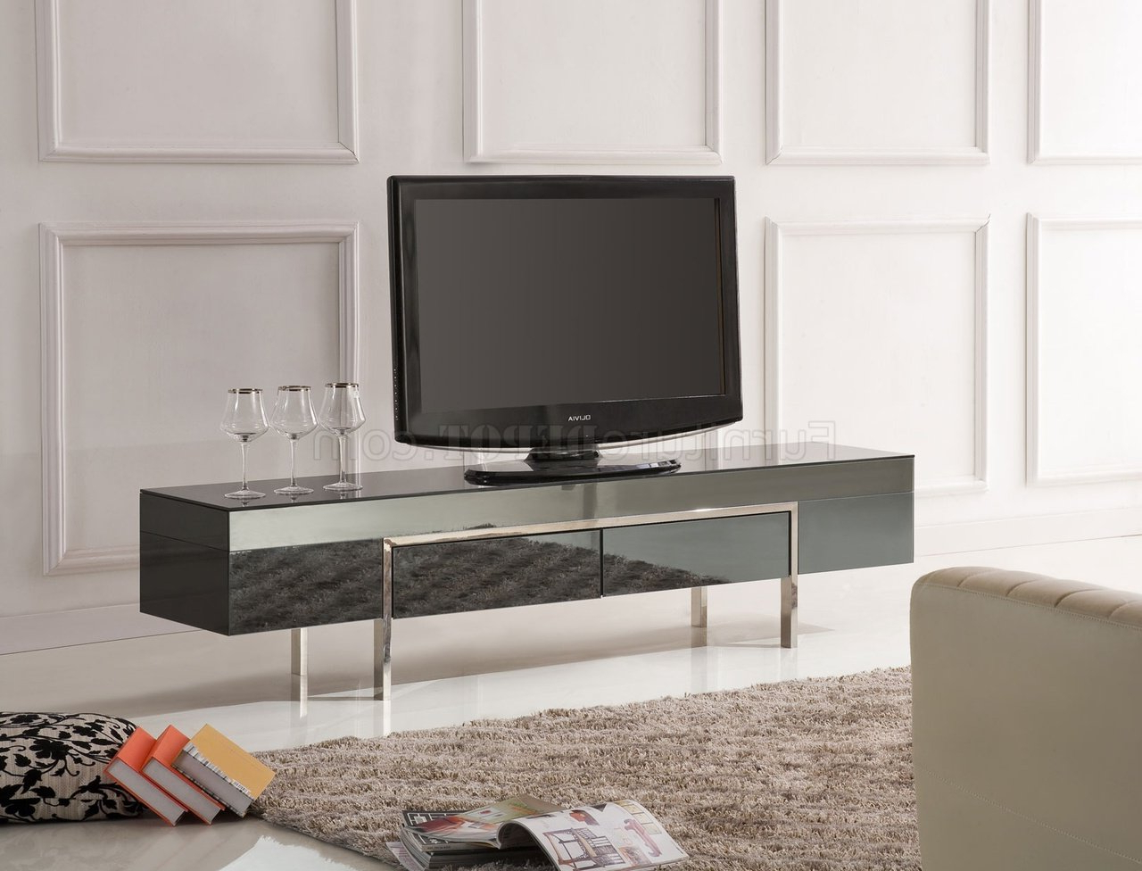 Black High Gloss Laquer Finish Modern Tv Stand W/metal Legs Throughout Modern Black Tv Stands On Wheels With Metal Cart (View 11 of 20)