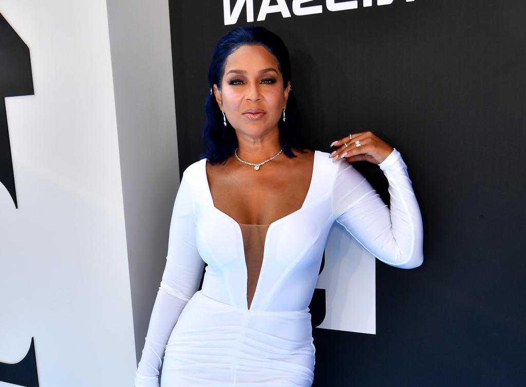 """Lisaraye Says Duane Martin Broke Up Her Marriage With Lisa Marie Tv Stands For Tvs Up To 65"""" (View 14 of 20)"""