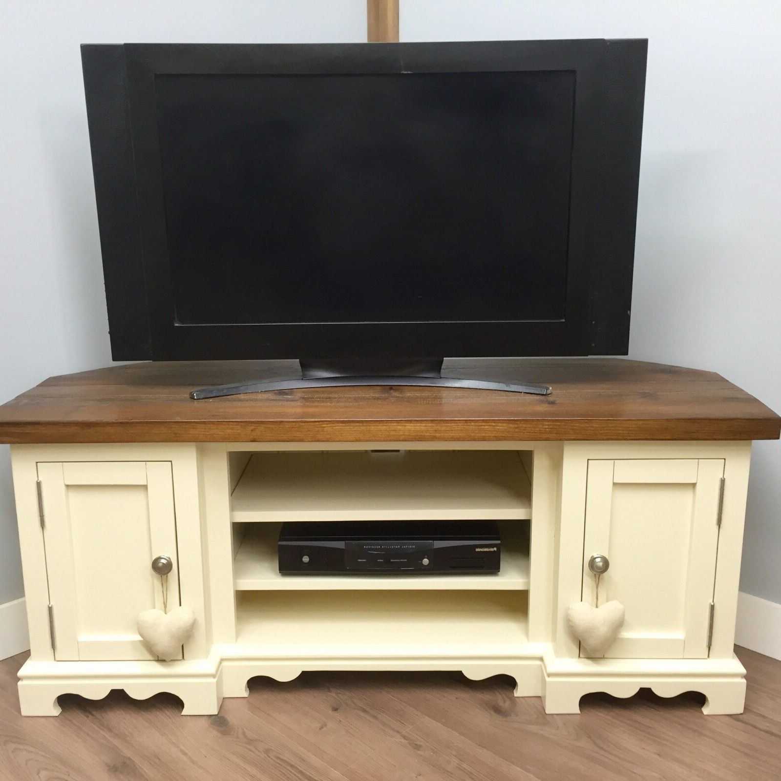 Shaped Farmhouse Corner Tv Stand With 2 Doors – Farmhouse Regarding Avalene Rustic Farmhouse Corner Tv Stands (View 4 of 20)