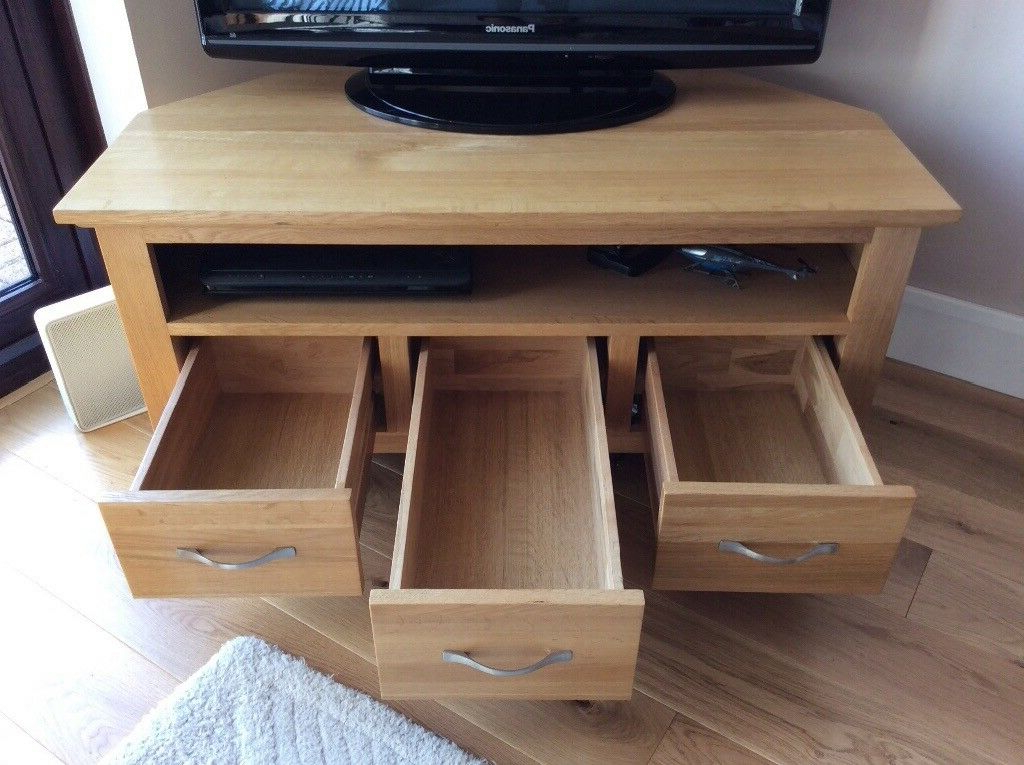 Solid Oak Corner Tv Stand With One Spacious Shelf And Pertaining To Sidmouth Oak Corner Tv Stands (View 8 of 20)